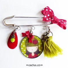 """Petite broche épingle """"léonie"""" ♥ verte pompon et sequin noeud rouge"""