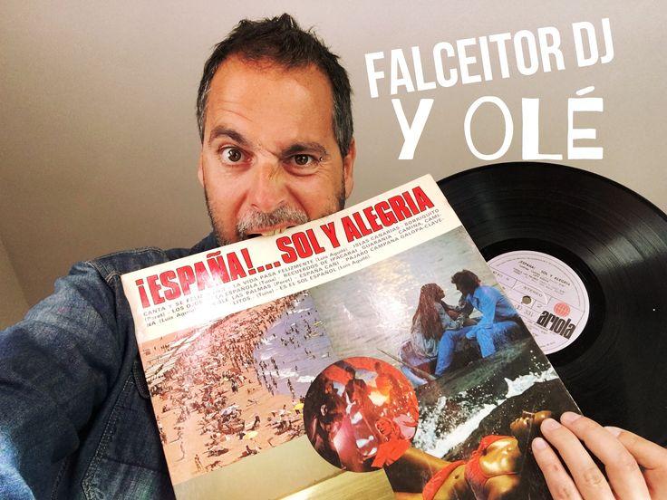 Esta finde volveremos a ser distintos. Lo que nos pase por los huevos. Brindando con un: @Vivalavidazaragoza!!! Palabra del gran #FalceitorDj.  #Dj #Discjockey #Disckjockey #Oldies #Oldie #Pinchadiscos #Leñe #Éxitos #Música #Music #Zaragoza #Aragón #Noche #Marcha #cascoviejo #Rock #Punk #Pop #Indie #PopRock #Tecno #Techno