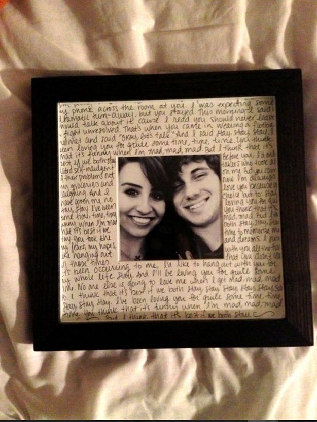 Custome Photo Frame | Valentines Day Ideas for Him, see more at: http://diyready.com/valentines-day-ideas-for-him/