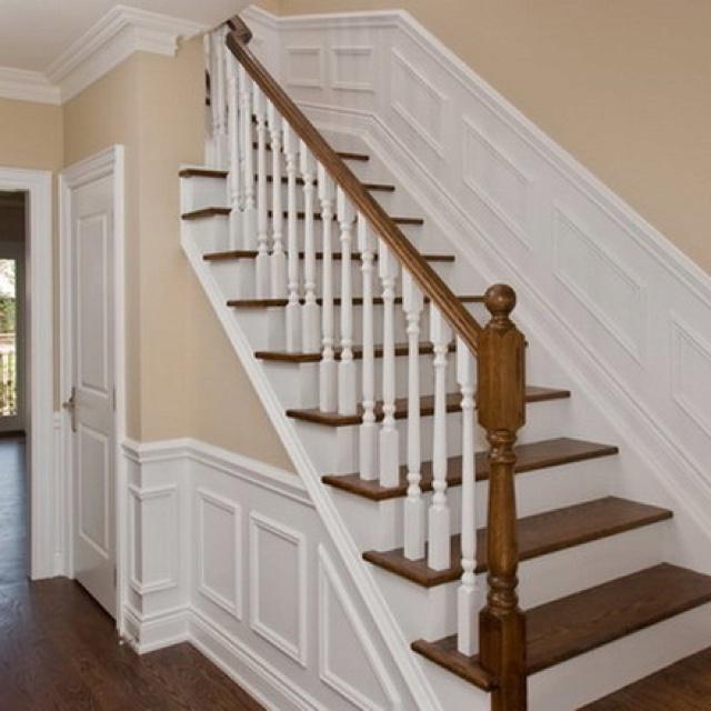 Petite moulure escalier bois franc pinterest peinture grise fonc e gris et cloisonnement for Peinture escalier bois gris