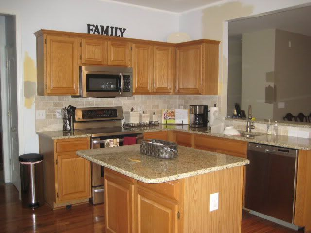 kitchen wall colors with honey oak cabinets 35 best images about kitchen on oak cabinets 22161