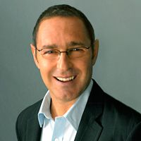 @Dr. Frank Lipman will be joining us on Friday August 3 1-2pm ET to answer all your questions on integrative medicine and share tips on healthy living!