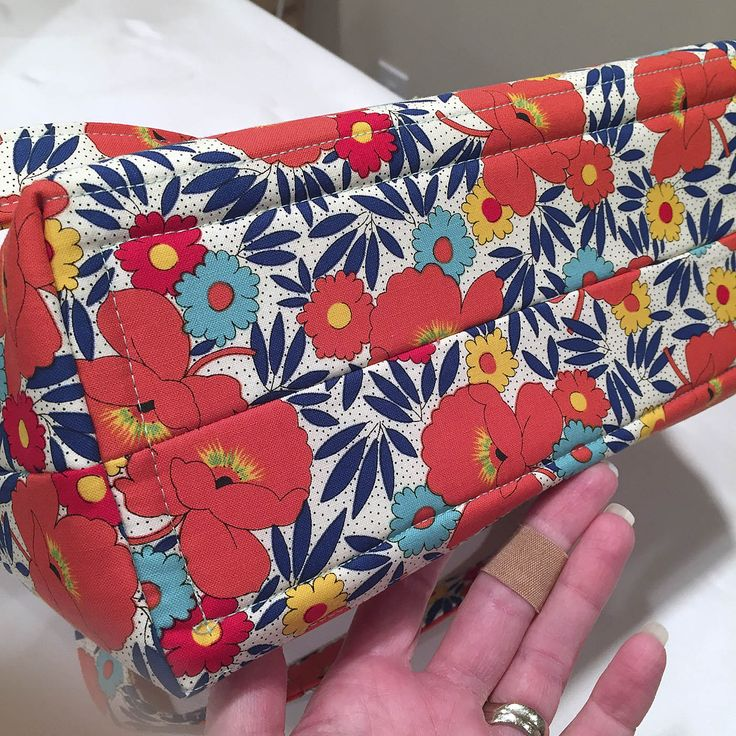 Sew a bag support into your bag. Easy free tutorial. Measure, cut and sew Stiff Stuff interfacing into the bottom of your bag for built-in structure. #LazyGirlDesigns #LazyGirlInterfacing #BagTutorial #BagBottom #BagPattern #TotePattern
