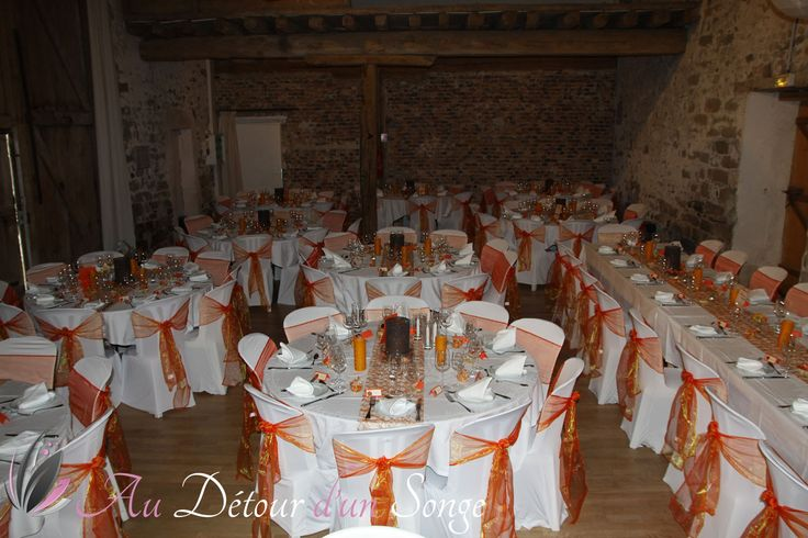 Décoration de mariage Salle de repas Couleurs orange et blanc Thème ...