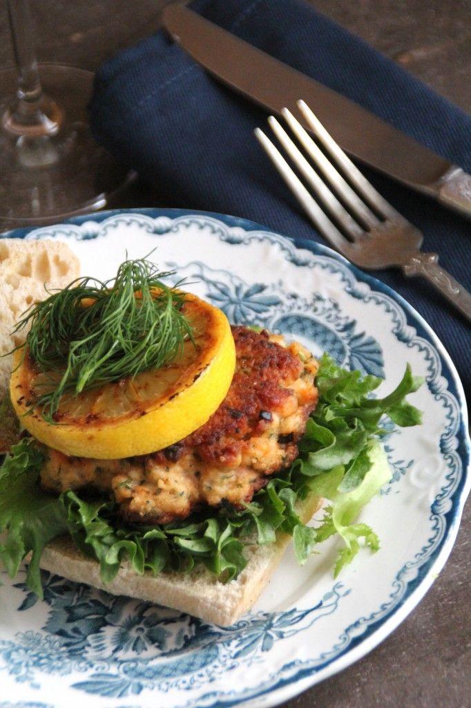Hjemmelagde fiskekaker er kjekt å ha i fryseren, denne oppskriften med fransk vri er fra @matpaabordet