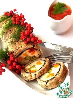 Диетический мясной рулет с рисом и овощами