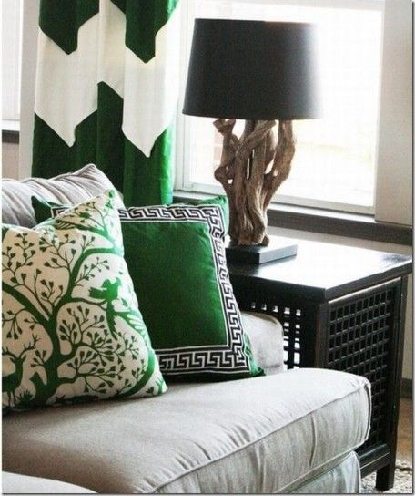 Cuscini verdi - Come arredare casa con il verde utilizzandolo nei cuscini d'arredamento.