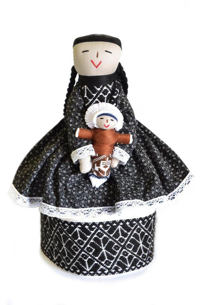 www.artesaniasmarymar.com     Muñeca tradicional Otomí #HechoAMano #HechoEnMéxico #Juguetes tradicionales…
