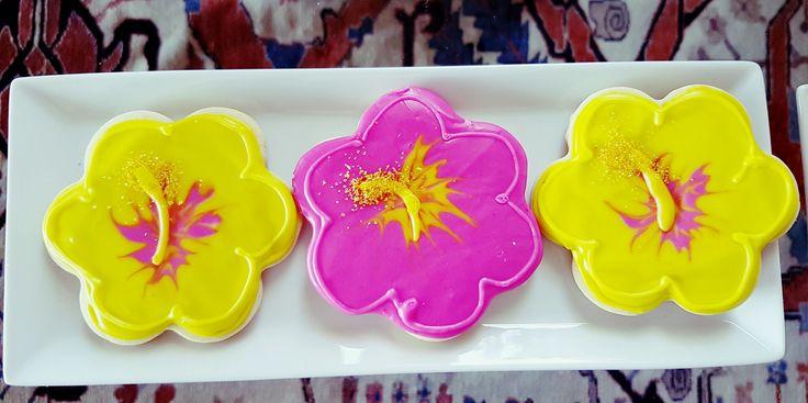 Hibiscus cookies Kinderkrippe Cakes by Elizabeth Viera Villar