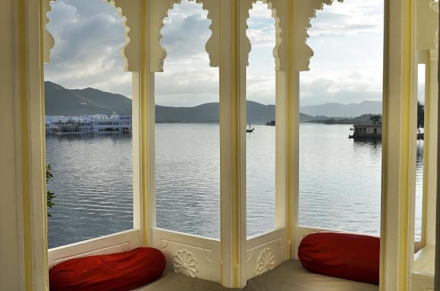 8 Must-See Attractions in Romantic Udaipur, India: Lake Pichola and Fateh Sagar Lake