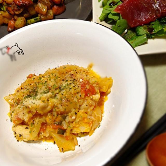 今日はリクエストデー。朝たくさん作ったトマトスープでリゾット。まぐろ食べたかったそうでカルパッチョ風。これだけじゃなあ。で大根ステーキ。 明日は16日ライブのリハ‼︎久しぶりだからワクワクたのしみ‼︎がんばるぞー(=´∀`)人(´∀`=) - 12件のもぐもぐ - トマトリゾット まぐろサラダ コロコロ大根ステーキ by tun223