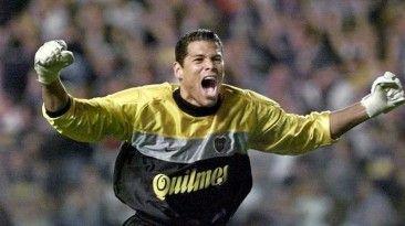 Oscar Cordoba colombiano ex arquero de la seleccion y Boca Juniors es columnista de fox sports y tambien hará comentario de otras selecciones