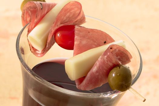 Antipasti Skewers....Yes I can do this oneAppetizers Snacks, Cheese Snacks, Upcoming Parties, Real Difference, Antipasti Skewers, Antipasto Skewers, Sargento Food, Delicious Recipe, Easy Snacks