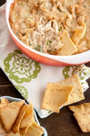 Another great food idea for Sunday's game! // Savannah Hot Crab Dip