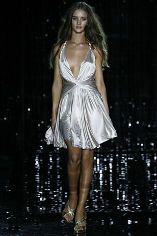 sb shoes online Julien Macdonald Spring Summer 2007 Ready To Wear