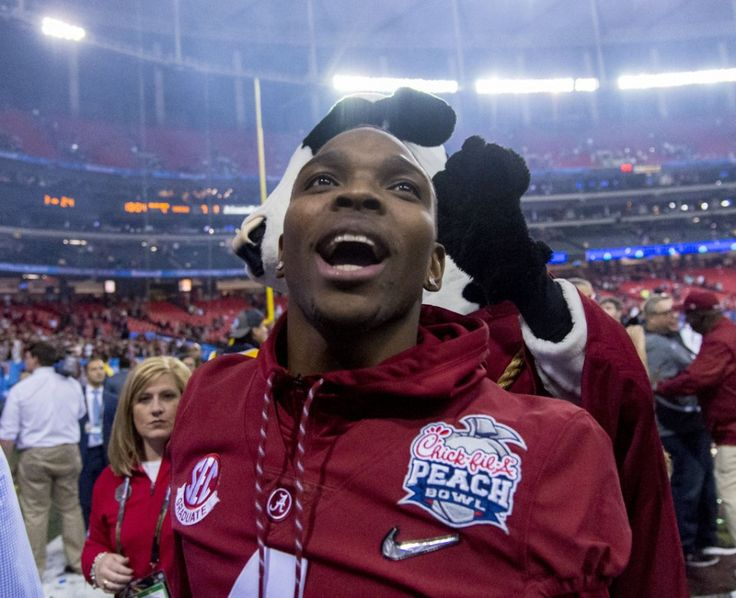 A senior captain, Eddie Jackson broke his leg against Texas A&M in October and since then the All-American safety who returned to school for his final season rather than enter the NFL Draft has turned into an iconic figure for Alabama football. He has been an important source of inspiration for his teammates, and his influence as a positive leader is now an unmistakable part of this team.
