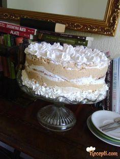 Recept za Šuškavu kapućinu tortu. Za spremanje ovog jela neophodno je pripremiti belanca, šećer, limun, mleko, puter, kapućino, lešnik, slatku pavlaku.