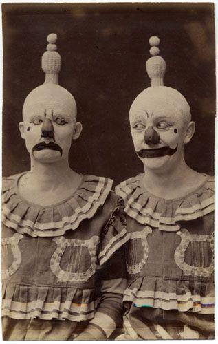 weird clowns