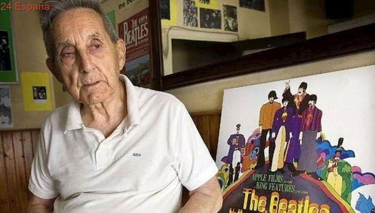Muere Juan Carrión, el profesor por el que los Beatles incluyeron las letras de sus canciones en los discos