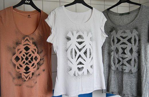 Faça você mesmo pintura na sua t-shirt. Muito simples de fazer, além das camisetas você pode estampar almofadas, cortinas, outras pecas do vestuário.