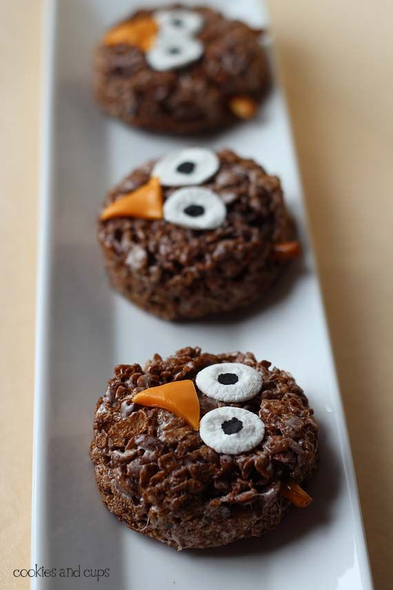 Round Rice Crispy treats, marshmallow eyes, and chewy candy beak.  Love it!