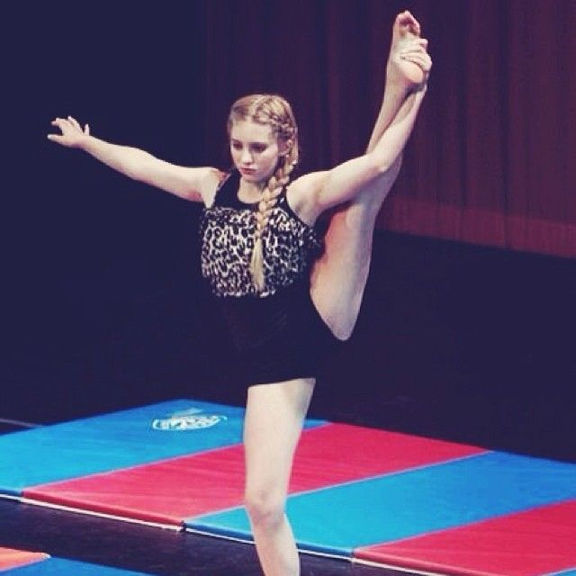 willow shields did gymnastics she is so much cooler now and - Primrose Everdeen Halloween Costume