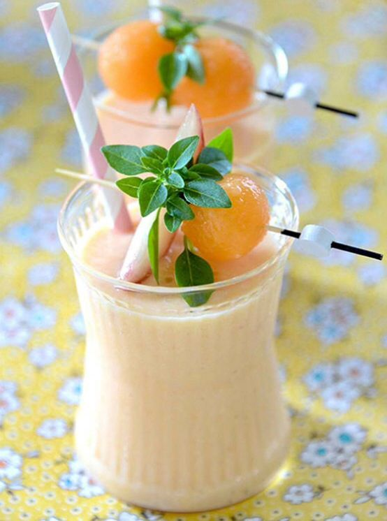 Smoothie melon, pêche, vanille