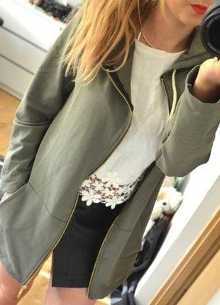Kup mój przedmiot na #vintedpl http://www.vinted.pl/damska-odziez/peleryny-narzutki/10517321-bluza-khaki-zloty-zip-sciagacz