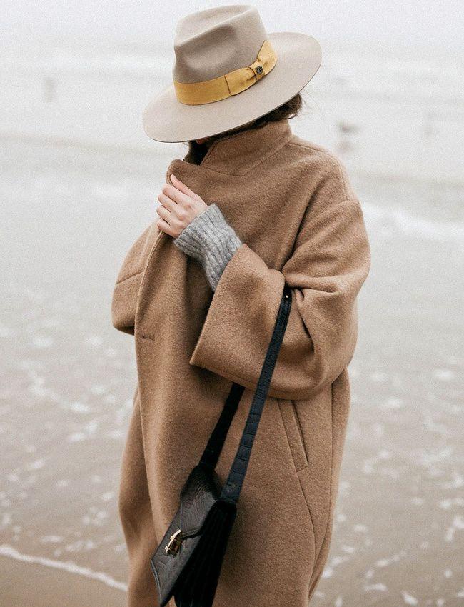 """Rien de tel qu'un chapeau pour """"upgrader"""" un look ! (photo The Fashion Cuisine)"""