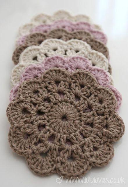 Posavasos en tonos pasteles. Ideal con algodón. Nice crochet coasters.