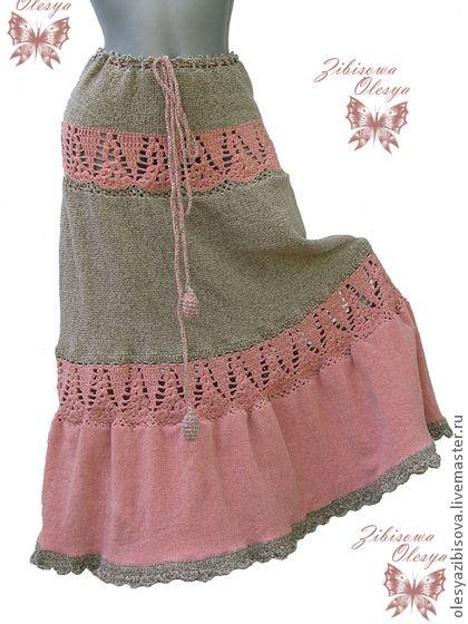 Вязаная юбка `Лунный цветок`. Вязаная юбка из велюровой пряжи, на ощупь нежная, мягкая, на любое время года.  Связана из пряжи двух цветов: бежевого велюра, и велюра нежного персикового цвета.