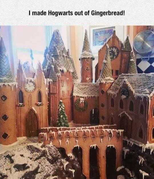 Gingerbread Hogwarts!!! ⚡️>>that must have taken so long!!>>> imagine building that and not wanting to eat it because it's so beautiful and a masterpiece but it's food and food is bae....I would be so conflicted
