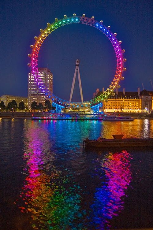 The London eye, giant ferris wheel in London, England.  443' tall, 394' diameter.  Open in private ceremony December 31, 1999.  Open to public, March 9, 2000 (due to technical difficulty).