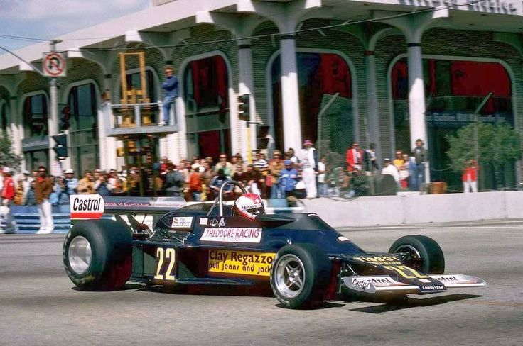 Clay Regazzoni (Lotus-Ford) vainqueur du Grand Prix des USA - Long Beach 1977 - source F1 History & Legends.