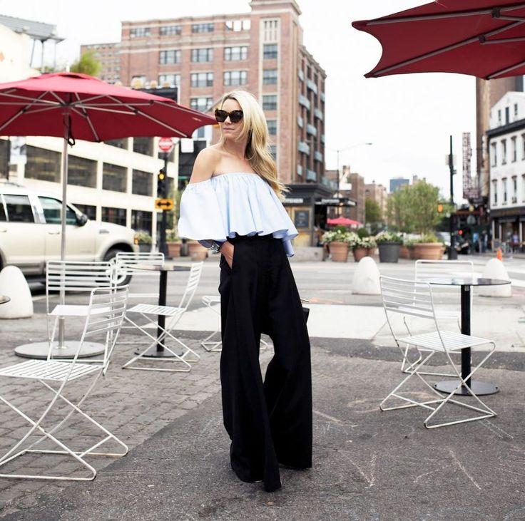 Oversized, yani üzerinizde birkaç beden büyük duran kıyafetler, bu yıl da sokak modasının vazgeçilmezleri arasında yerini almış görünüyor.