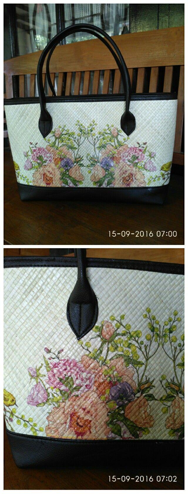 Decoupage basic pandanus bag
