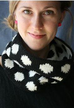 double knitting polka dot cowl pattern from KnitPicks