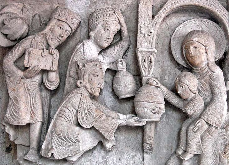 Cathédrale St-Lazare, Autun (Burgundy) - Gislebertus sculpts the Magi presenting their gifts to the infant Jesus