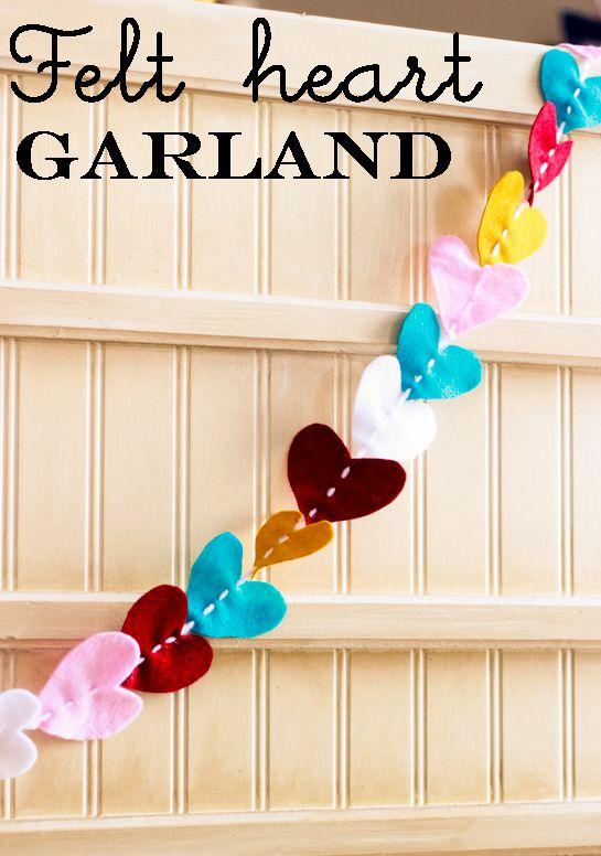 How cute is this darling felt heart garland! I am loving it!