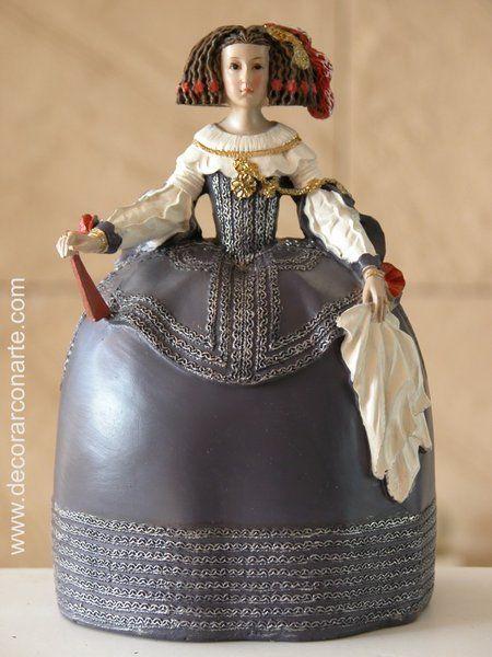 Mariana de Austria. H: 15 cm.