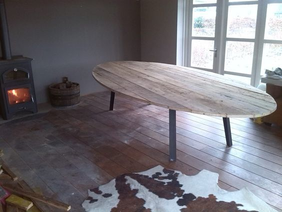 Grote ovalen tafel – Signed by Stephen