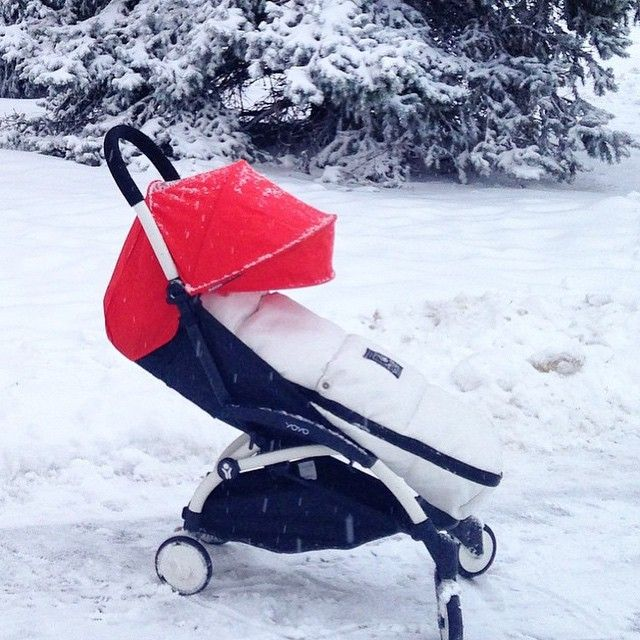 Let it snow with the BABYZEN YOYO :-)  #BABYZEN #BABYZENYOYO @katrin_guschina www.babyzen.com