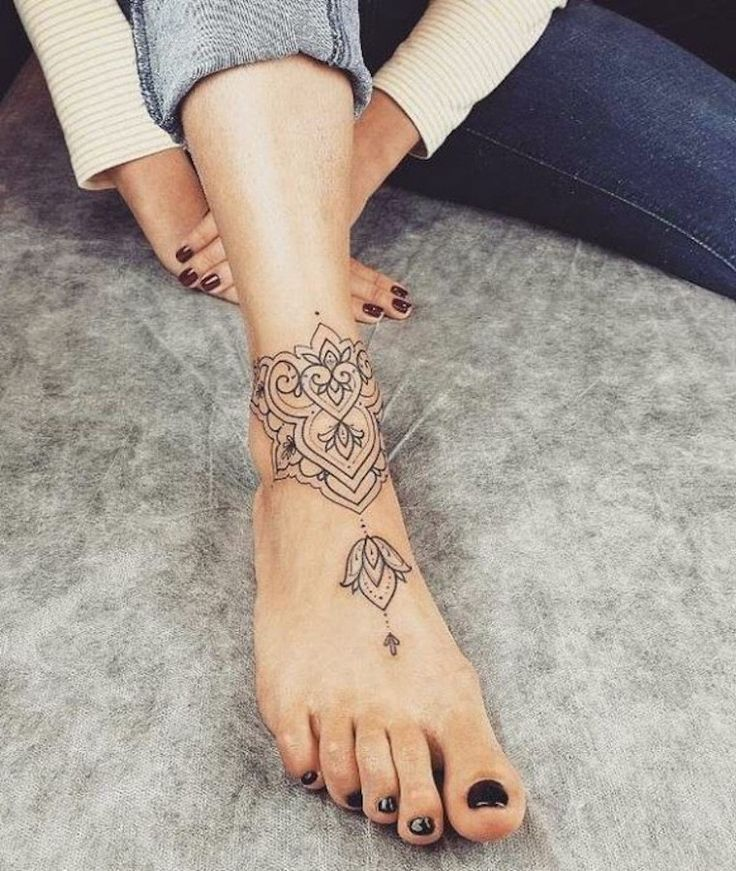 40+ Finding The Best Female Ankle Tattoos Ideas (With