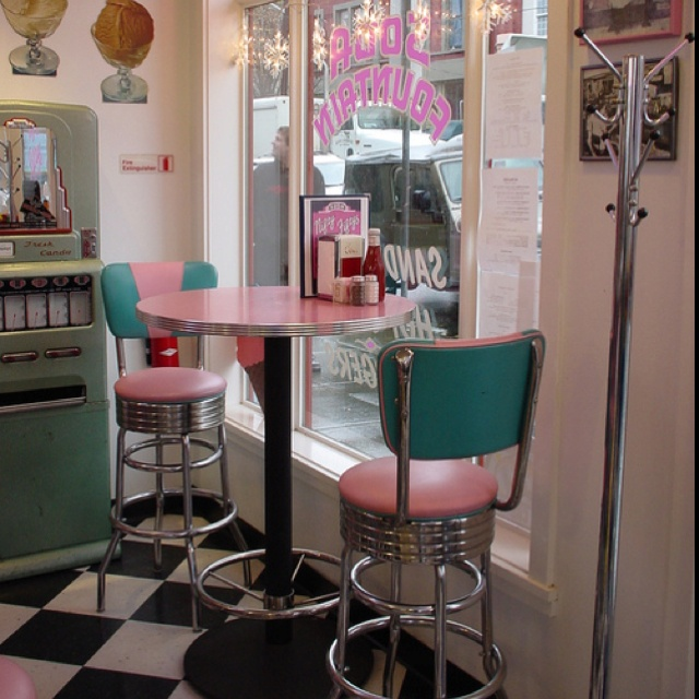 The perfect retro diner. Those chairs are perfect!