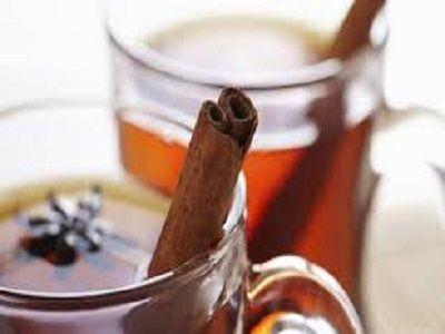 Honing en kaneel is een gouden combinatie. Sommige mensen zeggen dat het drinken van warm water met honing en kaneel op de nuchtere maag de beste manier is om gewicht te verliezen. Hoe dan ook: het drinken van honing-kaneelwater biedt veel (bewezen) voordelen en die op een hele eenvoudige manier te verkrijgen zijn. Versterkt het … … Lees verder →