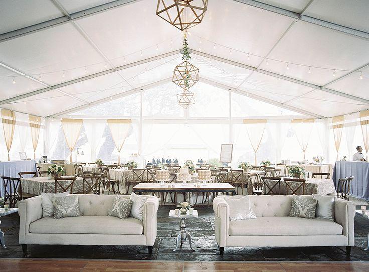 Lowndes Grove Plantation | Winter wedding | Charleston, South Carolina | Photo by Virgil Bunao