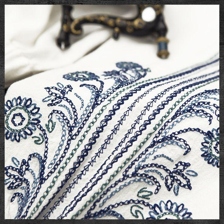 2015 лета Новый Yuzi Винтаж хлопок Лен женщин этнических блузка с V-образным вырезом, рукав-фонарик блузки для женщин B9517 blusa feminina