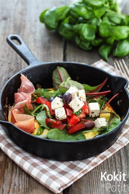 Munakas salaatilla   Omelette w/ feta salad (in finnish)   Kokit ja Potit -ruokablogi