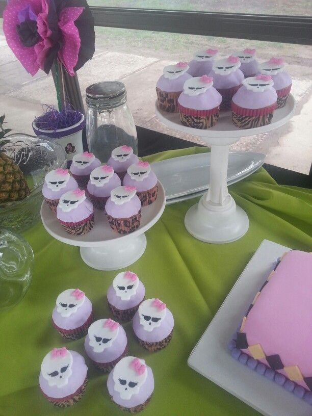 Cup cake monter high