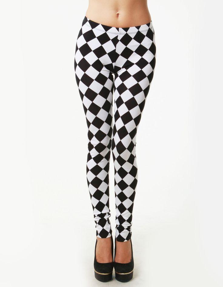 Black and white checker print leggings. P-18925